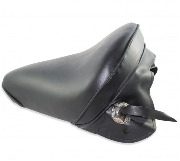 Flacher Solo Sitz mit Skirt und verchromtem Concho, Groß, Classic